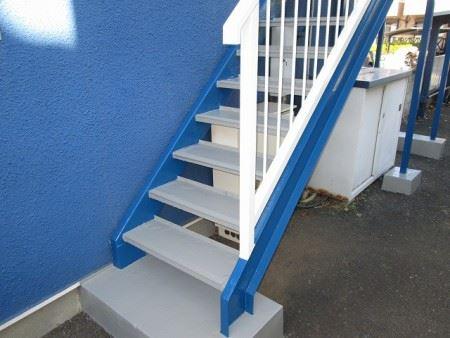共同住宅外階段塗装