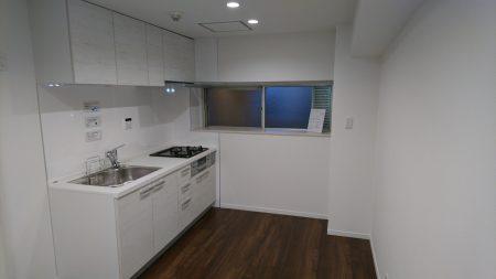 船橋市前原西マンション①玄関・キッチン